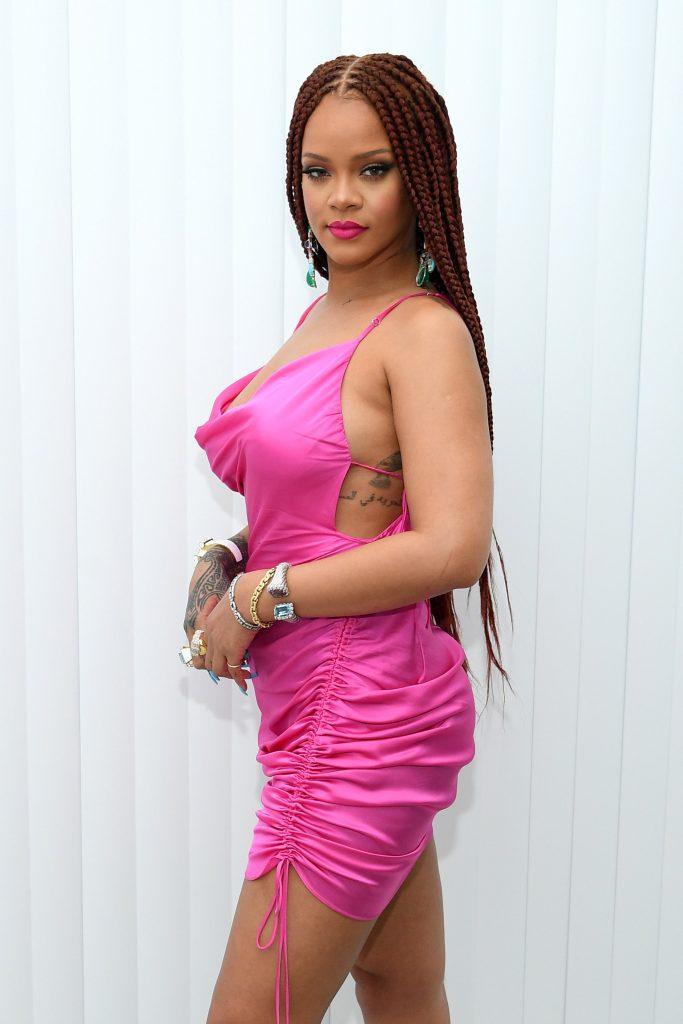 Rihanna looking hot AF in pink